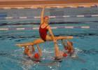 Prezentēta Latvijā pirmā sinhronās peldēšanas skola