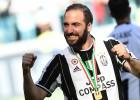 """Igvainam divi vārti, """"Juventus"""" uzvar Milānā"""