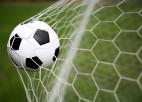 Īrijas trešās līgas klubs kļūdaini notur klusuma brīdi dzīvam futbolistam