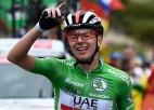 """Pogačars uzvar ar iespaidīgu uzbrukumu, Rogličs tikpat kā """"Vuelta a Espana"""" čempions"""