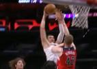 Video: NBA dienas momentos arī danks pāri Bertānam