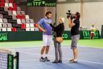 Foto: Gulbis trenējas Valmierā kopā ar jaunajiem tenisistiem