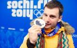 Foto: Martins Dukurs saņem Soču olimpisko sudrabu