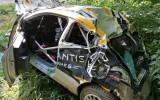 Video: Lietuviešu rallija ekipāža smagi avarē un iznīcina automašīnu