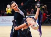 Latvijas sporta deju pāris pasaules ranga desmitniekā jau abās programmās