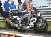 MotoGP otrās dienas testos sportists pie ātruma 290 km/h piedzīvo šaušalīgu kritienu (+video)
