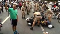 Rio lāpas stafeti aizšķērso policistu sadursme