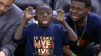 NBA dienas momentu topā triumfē vismazākais
