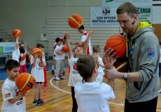 """""""Basketbols aicina"""" priecē bērnus Jēkabpilī"""