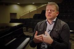 """Video: Komponists Ēriks Ešenvalds par jauniestudējumu """"Iemūrētie"""""""