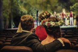 """Dailes teātris sezonu noslēgs ar koncertu """"Spanovska ballīte – 2.sērija"""" un balli"""