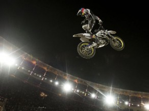 """Red Bull X-Fighters"" Madrides posmā uzvar Medisons"