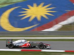 Malaizijas F1 treniņos dominē ''McLaren'' un ''Mercedes''