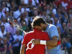 """Federers 19:17 """"maratonā"""" uzvar Del Potro, finālā spēlēs pret Mareju"""