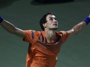 Federers neizmanto trīs mačbumbas un apbrīnojamā spēlē zaudē Donskojam