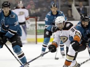 Bļugers un Balcers piespēlē NHL pārbaudes spēlēs, Kivlenieks iet uz maiņu