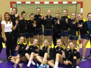 Latvijas U-16 handbolistes izcīna trešo vietu Grīnberga piemiņas turnīrā
