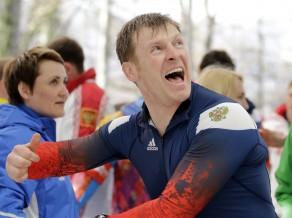 Zubkovs turpinās cīnīties, lai atgūtu Soču OS zelta medaļas bobslejā