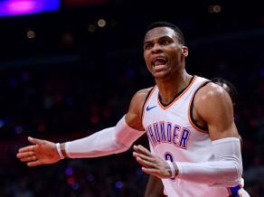Par decembra labākajiem NBA atzīti Džeimss un Vestbruks