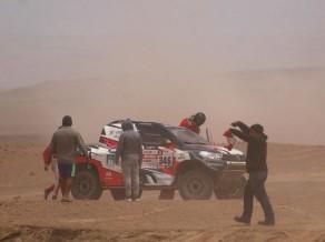 Andrē Vilašs-Boašs pēc avārijas Dakaras rallijā tiek nogādāts slimnīcā