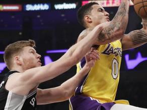 """Bertānam pēc rekordmača spēle nevedas, """"Spurs"""" izgāžas Losandželosā"""