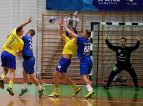 Latvijas handbola čempionātā principiālas cīņas