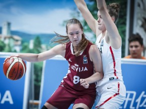 Strautmanei 13 punkti 17 minūtēs, U20 meitenes galotnē zaudē Krievijai