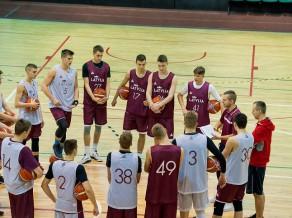 Mežulis un Žagars pastiprina komandu, U18 juniori pārliecinoši uzvar Igaunijas U20 izlasi