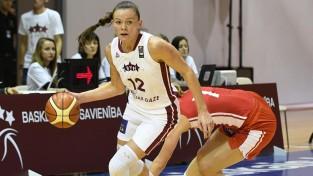 Laksa izved komandu no tālmetienu tuksneša, Latvija uzvar Ukrainu