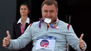 Paralimpietis Apinis kļūst par Eiropas vicečempionu diska mešanā