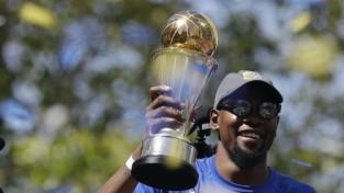 """NBA finālsērijas MVP Durents atsakās doties vizītē pie Trampa: """"Es viņu necienu"""""""
