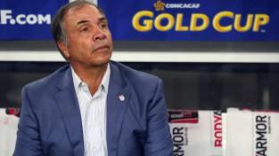 Brūss Arena pamet ASV darbu pēc nekvalificēšanās Pasaules kausa finālturnīram