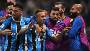 """Gremio"" kļūst par pirmo FIFA Klubu Pasaules kausa finālisti"