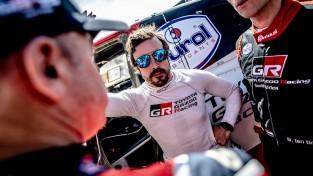 """Alonso: """"Hamiltons ar savu raksturu citām komandām nederētu"""""""