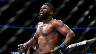 Bleidss otrajā raundā nokautē bijušo UFC čempionu Dos Santošu