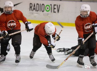 """Bērnu hokeja turnīra """"Zelta ripa 2015"""" spēlētāju statistika"""
