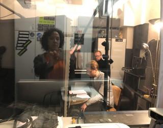 Liepājas radio teātris sezonu noslēgs ar vairākiem stāstiem Liepājas aktierkursa studentu izpildījumā