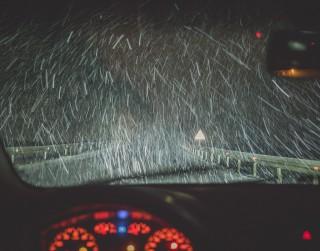 Vissezonas riepas: vai patiešām drošs, ērts un izdevīgs risinājums arī ziemā?