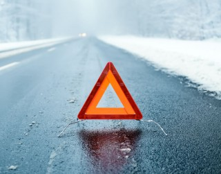 Svarīgi nosacījumi auto vadīšanai uz slidena ceļa