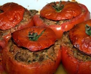 Ar malto gaļu pildīti tomāti