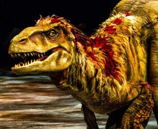 """Pēc trīs nedēļām Rīgā viesosies pasaulē lielākais dinozauru šovs -  """"Pastaiga ar dinozauriem"""""""