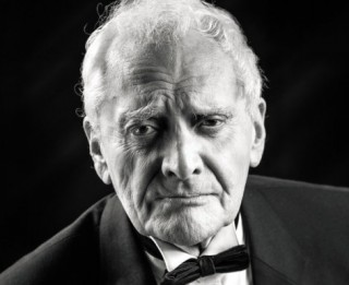 Miris Dailes teātra aktieris Āris Rozentāls