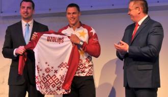 """Foto: Latvijas BMX izlases galvenais sponsors  būs """"MONUM"""""""