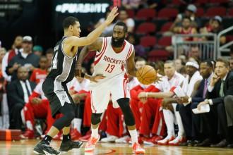 """""""Rockets"""" pabeidz pirmssezonu ar uzvaru pār """"Spurs"""""""