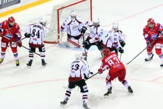 """""""Rīga"""" paņem punktu pret līderi, taču zaudē piektajā mačā pēc kārtas"""