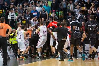ACB līga diskvalificē Todoroviču un Šengeliju, klubi vienojas protestā
