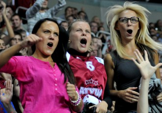 Foto: Latvija-Zviedrija, basketbola fanu emocijas