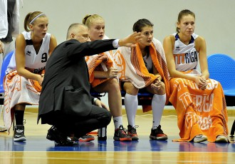 """Foto: """"TTT Rīga"""" viegli uzvar liepajnieces"""