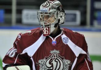 Video: KHL nedēļas labākajos atvairījumos arī dinamietis Sedlāčeks
