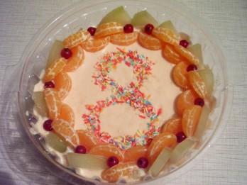 Saldēta melones un biezpiena kūka
